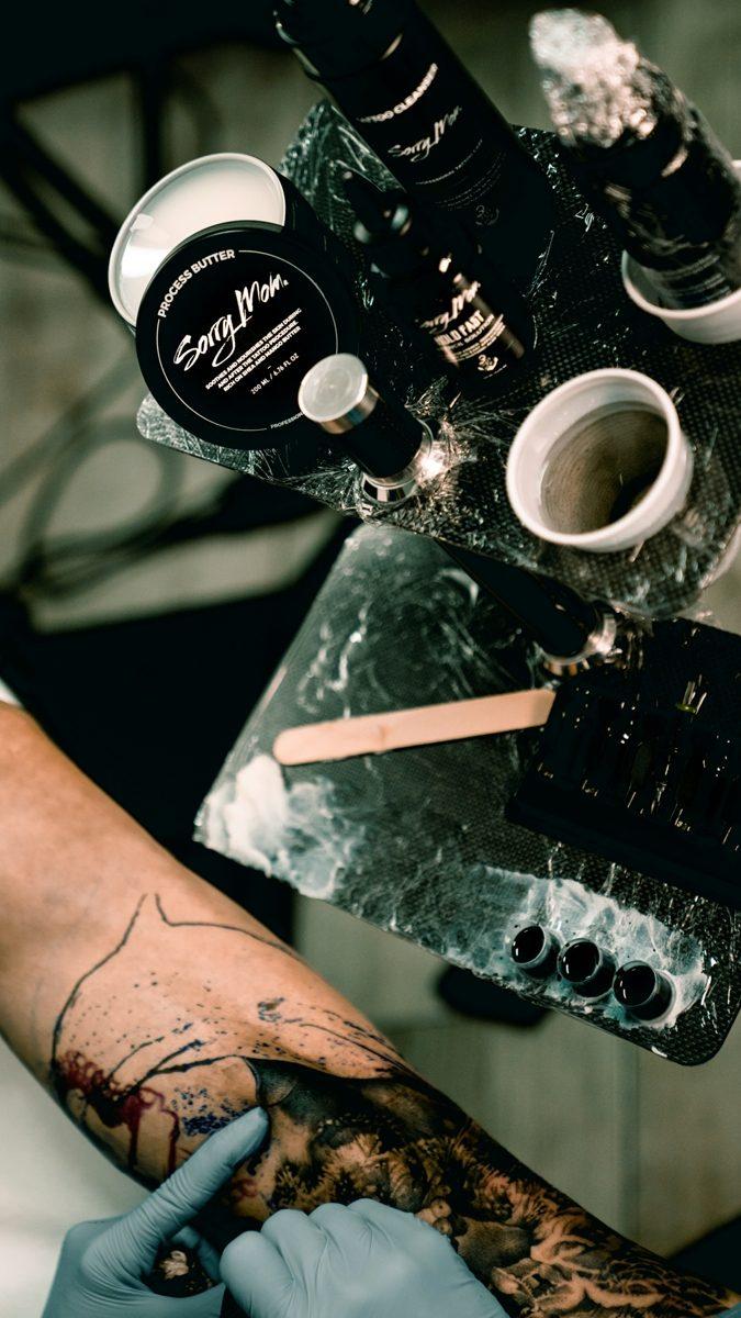sorry-mom-romania-unt-vaselina-process-butter-proces-tatuaj-tattoo-artist-vindecare-tatuaje-bucuresti-tattooartist-05
